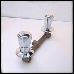 Mezcladora de ducha Trébol con perillas redondas Della